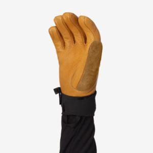 backdoor_grindelald_skiing_norrona_lofoten_ thermon100_short_gloves_kangaroo