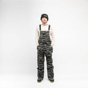 backdoor_grindelwald_snowboarding_nitro_overall_mens_tiger-camo