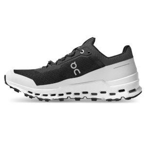 backdoor_grindelwald_running_on_cloudultra_running_shoe_men_black_white_4