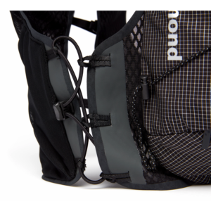 backdoor_grindelwald_running_black_diamond_distance_8_backpack_black_2